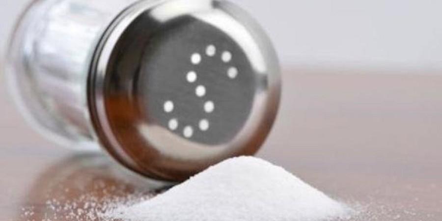نشانههای زیادهروی در مصرف نمک