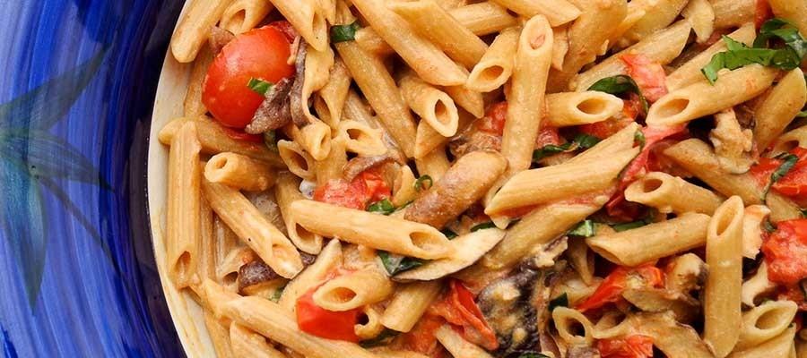 دستور پخت پاستا پنه با گوجه کبابی، قارچ و پنیر ریکوتا / آشپزی با ماکارونی مک