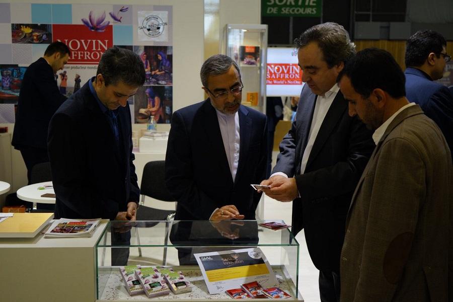حضور سفیر ایران در غرفه نوین زعفران در نمایشگاه سیال