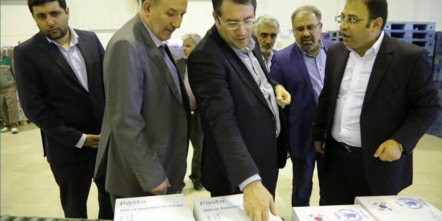 در بازدید قائم مقام وزیر صنعت و رئیس کمیسیون صنعت مجلس شورای اسلامی از گروه صنعتی و پژوهشی زر مطرح شد:محصولات پالایشگاه غلات زر صنعت شیرینکنندهها را در مسیر خودکفایی قرار داده است