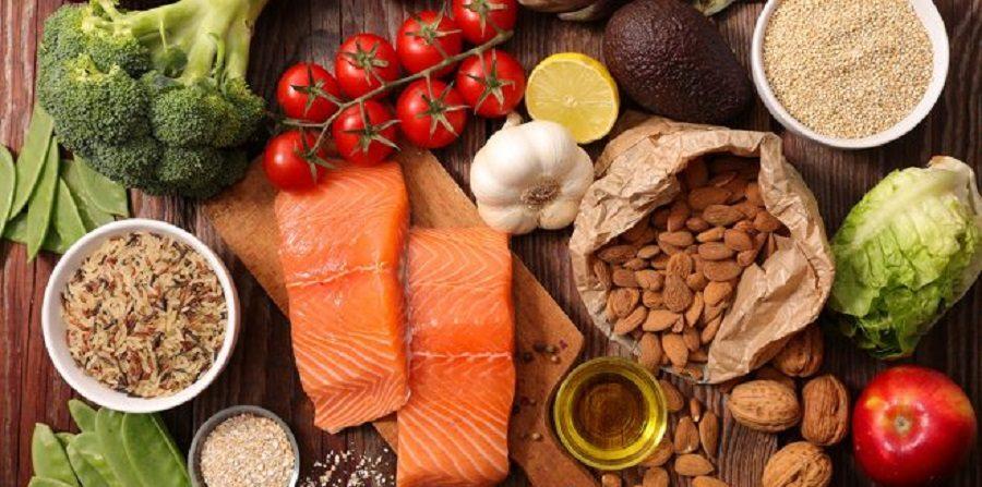 ۱۲ ماده غذایی که به پاکسازی کبد کمک میکند