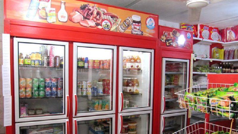فروش آبمیوههای قاچاق در سوپرمارکتها/ برندهایی که زیرسبیلی رد میشوند