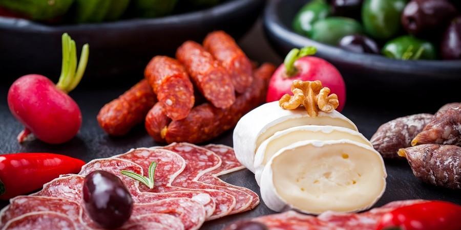 رد پای نوسان نرخ گوشت و مرغ در قیمت سوسیس و کالباس