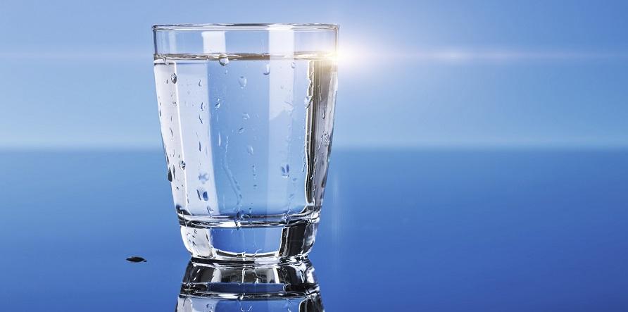 نتایج مطالعات نشان می دهد؛ بیماری های که با نوشیدن آب قابل کنترل هستند