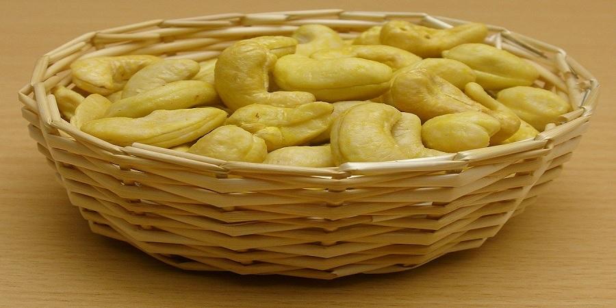وزارت کشاورزی خطاب به گمرک / مجوز واردات بادامهندی ممنوعه کجاست؟