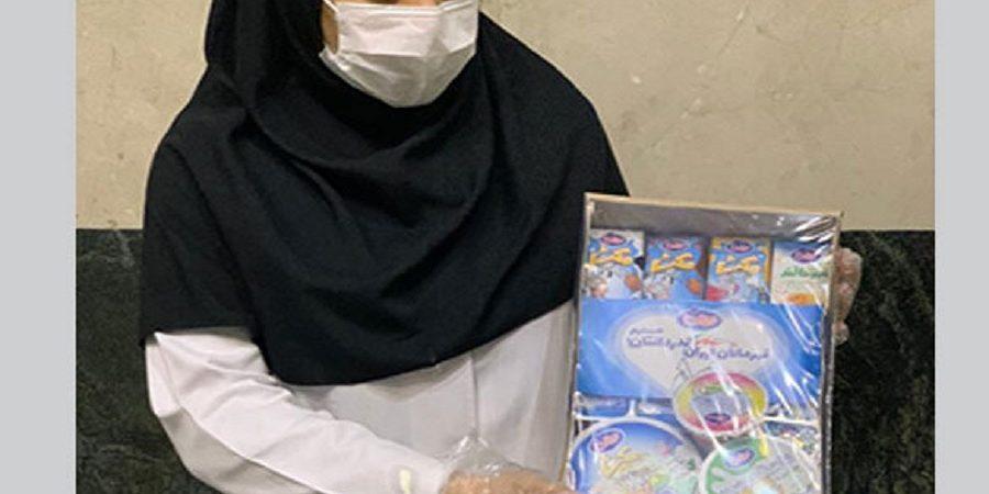 با هدف قدردانی از پزشکان و پرستاران انجام شد؛توزیع بسته هدیه شیر وفرآوردههای لبنی میهن در بیمارستانهای تهران