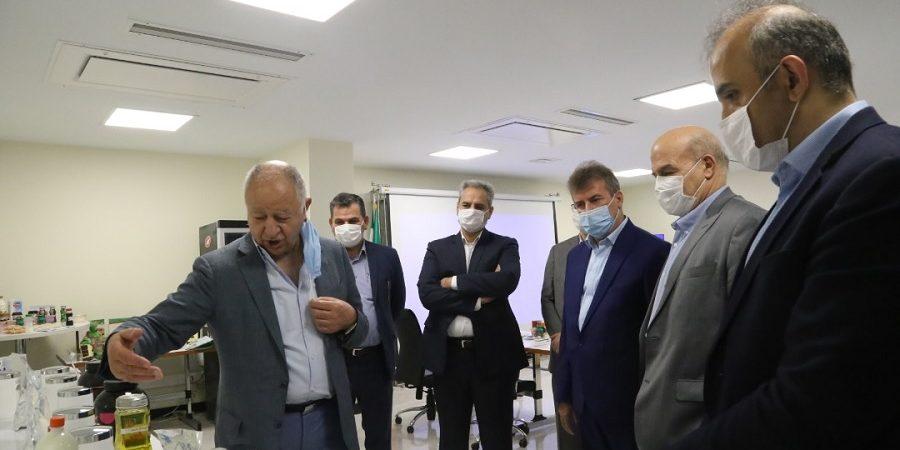 بازدید وزیر جهادکشاورزی و رئیس سازمان محیط زیست کشور از نخستین پالایشگاه شیر ایران و آسیا متعلق به کاله+ تصاویر