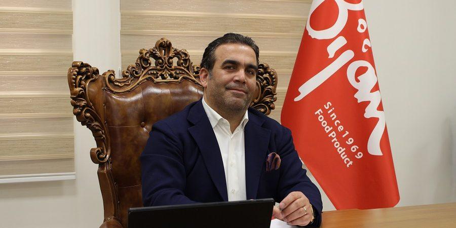 حسین مصطفی زاده، رئیس هیئت مدیره هلدینگ صنایع غذایی بیژن شخصیت سال صنعت غذا درسال  ۱۳۹۹ شد