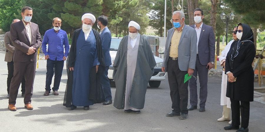 امام جمعه کاشان در بازدید از شرکت باریج اسانس: مردم با خرید کالاهای ایرانی به تولید محصولات داخلی رونق بخشند